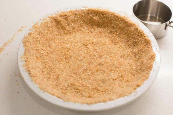 Vanilla Waffer Pie crust for homemade banana cream pie