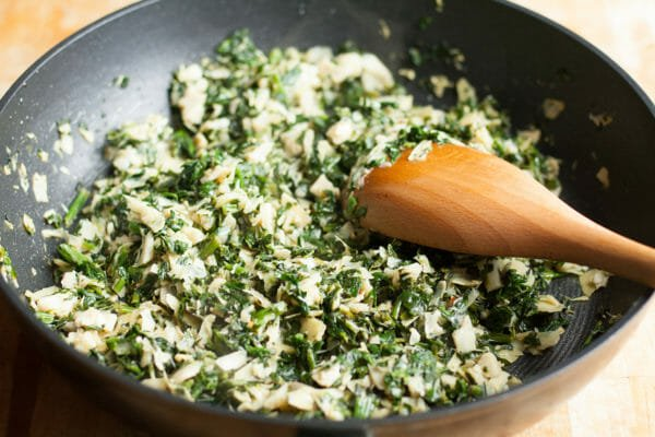 Cooked spinach for Spinach Artichoke Dip