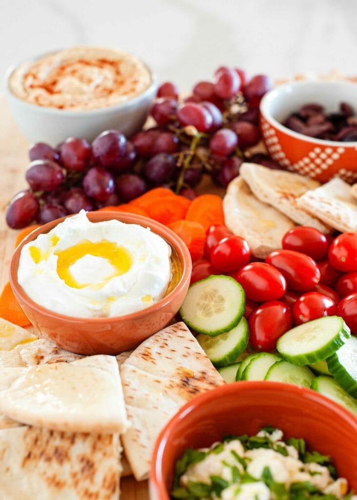 How to build a mediterranean mezze platter for dinner