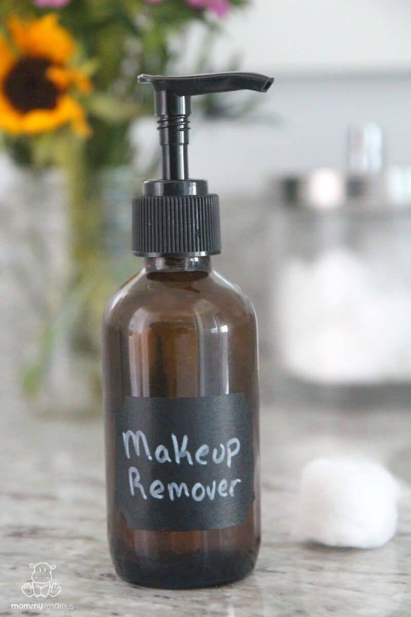 This gentle, natural and inexpensive diy makeup remover works just as well as store brands, which often contain parabens, formaldehyde releasers, and other problematic ingredients. It's quick and easy to make, too!