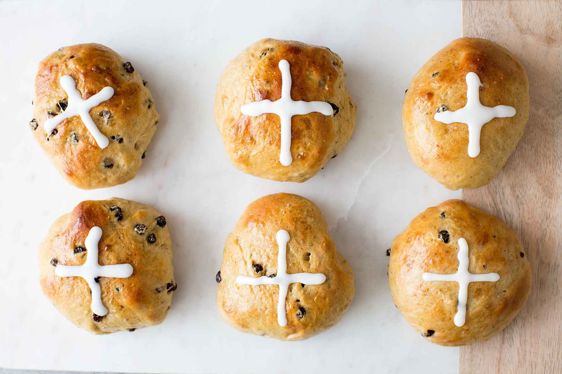 6 Hot Cross Buns