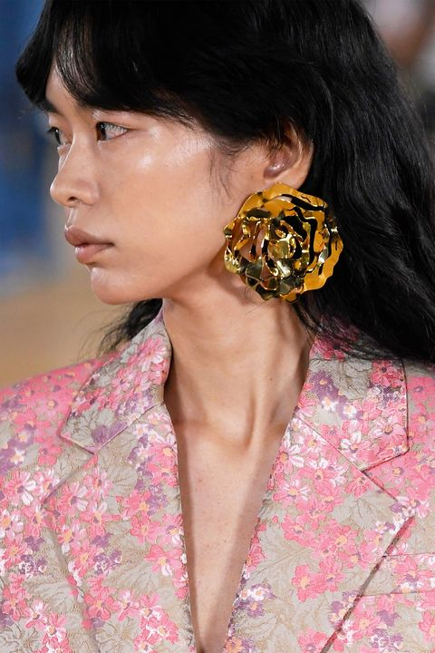 fall jewelry trends   floral jewelry